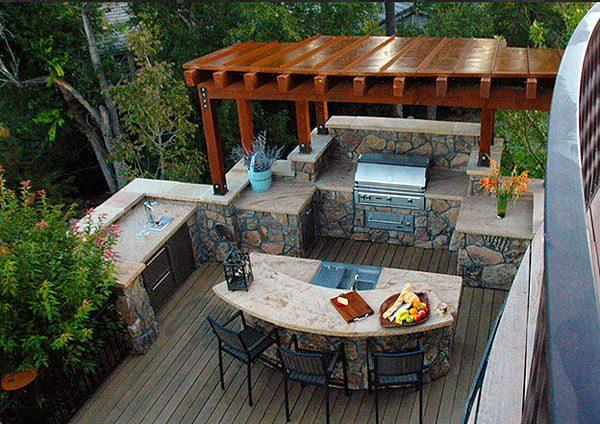 12 outdoor kitchen with pergola